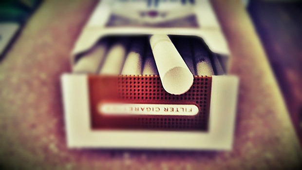 A pack of cigarettes which you can quit with the help of CBD at Coffeeshop Guru
